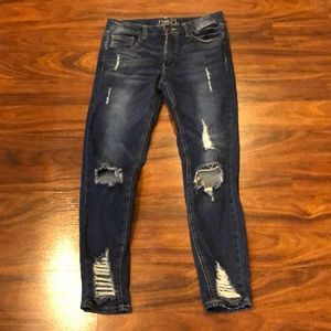 Mid rise ankle jegging with cut outs size 6